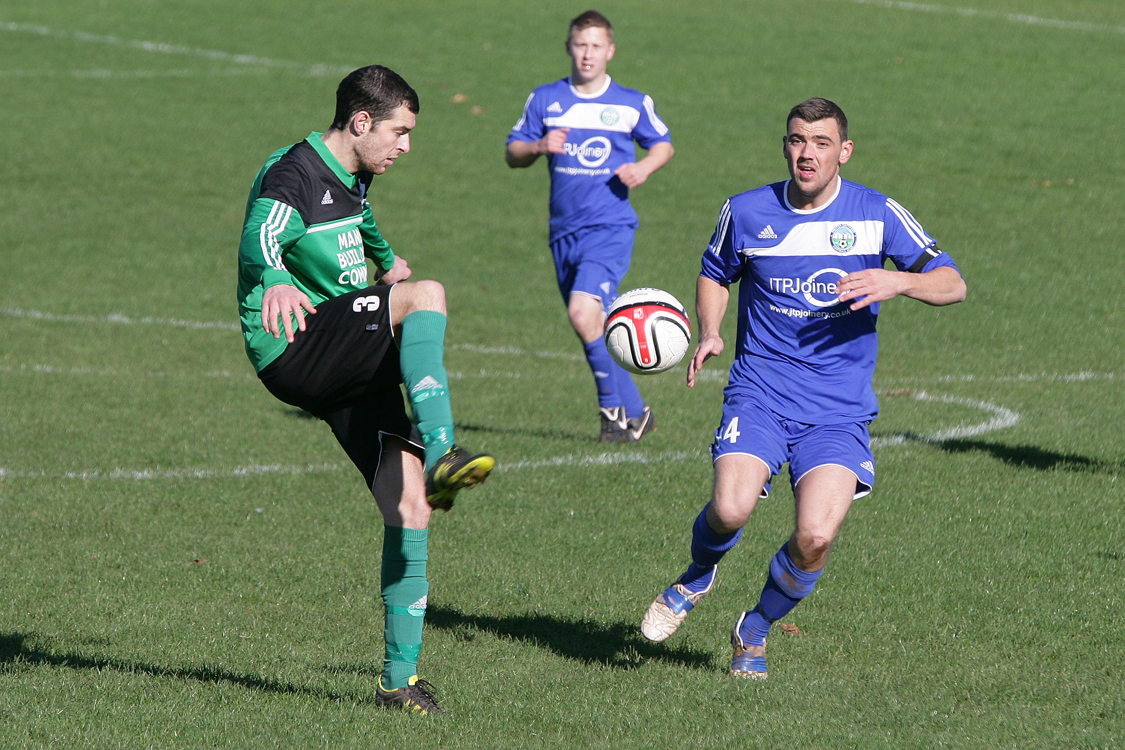Lewis Woodmore Darren Munday Watcombe Wanderers Preston South End Herald Cup SDFL Sport South Devon
