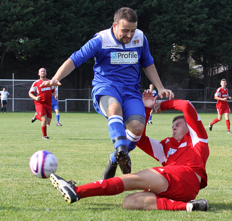 Russell Brooker Clarke Bassett Kingsteignton Athletic Newton Abbot Spurs Reserves SDFL Sport South Devon